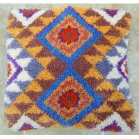 Aztec latch hook cushion kit